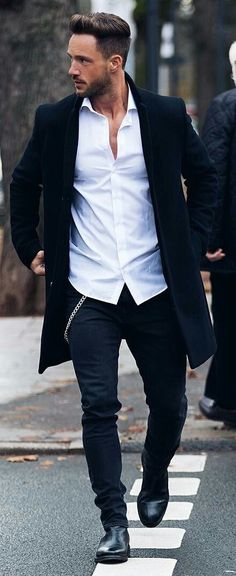Men's Fashion, Fitness, Grooming, Gadgets and Guy Stuff TheS. Men Looks, Fashion Mode, Mens Fashion, Fashion Boots, Groom Fashion, Guy Fashion, Stylish Men, Men Casual, Black Overcoat