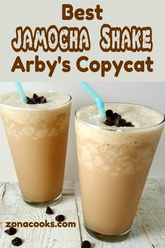 This Jamocha Shake has a strong dark roasted coffee and chocolate blended with vanilla ice cream. It's refreshing, chocolaty and ready in just 5 minutes. This is an Arby's Copycat recipe and serves 2 people. Protein Shake Recipes, Milkshake Recipes, Smoothie Recipes, Protein Smoothies, Fruit Smoothies, Milkshakes, Frozen Coffee Drinks, Coffee Drink Recipes, Vanilla Ice Cream Smoothie Recipe