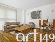 Wspaniały tryptyk - nowoczesna dekoracja, która znajdzie zastosowanie w mieszkaniu lub przestrzeni biurowej.