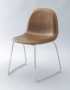 Komplot Design, Boris Berlin, Poul Christiansen. GUBI Chair. 2003