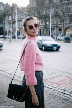 Picking pink, again - polienne Pink Sweater Outfit, What To Wear Today, How To Wear, Pink Trousers, Antwerp Belgium, Vans Sneakers, Mode Style, Feminine Style, Aesthetic Clothes