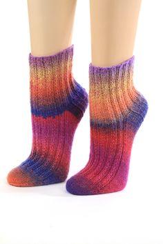 Handgestrickte flauschige Socken Gr.34/35 von Wollwerkstatt auf DaWanda.com