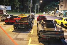 "629 Likes, 19 Comments - Alan Fung (@alannnfunggg) on Instagram: ""The troops.. #hatersgonnahate #nightcruise #supra #jza80 #rx7 #fd3s #bnr32 #bnr34 #nsx #gtr…"""