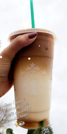 But you can shake it up for a not so sweet coffee with the same great taste! Starbucks Smoothies Recipe, Starbucks Hacks, Starbucks Secret Menu Drinks, Iced Coffee Drinks, Starbucks Iced Coffee, Starbucks Order, Starbucks Pumpkin, Coffee Recipes, Fondue Recipes