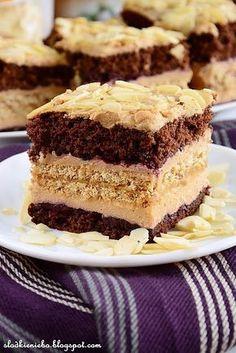 Ciasto krówkowo-kukułkowe z płatkami migdałów