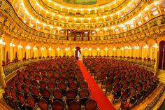 Dentro do Teatro