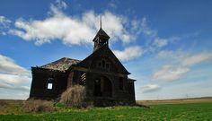 Abandoned schoolhouse in Govan, Washington