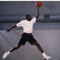 Michael Jordan Unc, Michael Jordan Poster, Michael Jordan Pictures, Jeffrey Jordan, Jordan 23, Nba Players, Basketball Players, Image Basket, Basketball Pictures