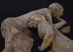'The Two Maidens' of Pompeii are Men