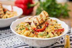 4 λαχταριστές συνταγές με χαλλούμι, για όσους το λατρεύουν - madameginger.com Falafel, Fried Rice, Pasta Salad, Fries, Lunch Box, Bacon, Ethnic Recipes, Food Food, Kitchens