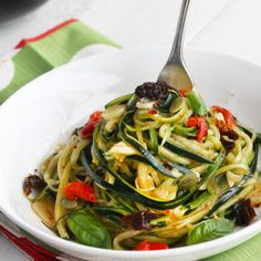 """Zucchini Noodles Aglio et Olio - comforting slippery garlicky """"pasta"""" without the carbs. Vegan, Gluten & Paleo friendly."""