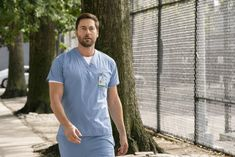 New Amsterdam - Episode - The Denominator - Promo, Promotional Photos + Press Release New Amsterdam, Angie Tribeca, Murder In The First, Famous In Love, American Crime Story, New Warriors, Broadchurch, Chicago Med, Medical Drama