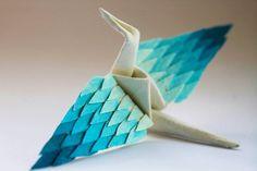 Cristian Marianciuc crea una nueva grúa de papel decorada de Origami por 1,000 días   Colosal