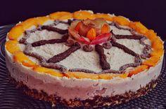 Raw Vegan Cake, Peach Cake, Raw Desserts, Peaches, Homemade, Ethnic Recipes, Instagram, Food, Peach Cobbler Cake