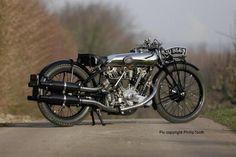 http://conway-motors.co.uk/monty%20birth%202.jpg
