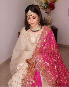 Source by clothes vocabulary Asian Wedding Dress, Pakistani Wedding Outfits, Indian Bridal Outfits, Pakistani Wedding Dresses, Pakistani Dress Design, Indian Designer Outfits, Indian Dresses, Wedding Outfits For Women, Bridal Mehndi Dresses