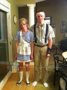 Original Couples Costume Idea: Jack and Jill… After the Hill. Great site for homemade halloween costumes. Holidays Halloween, Halloween Crafts, Happy Halloween, Halloween Decorations, Halloween Party, Halloween Stuff, Homemade Halloween, Adult Halloween, Halloween Couples