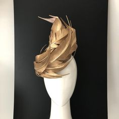 undefined Millinery Hats, Fascinator Hats, Fascinators, Gold Hats, Run For The Roses, Colorful Backpacks, Fancy Hats, Halloween Disfraces, Headpiece Wedding