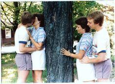 Funny Wedding Photos awkward family photos couple at a tree - 19 Amazingly Awkward Couple Photos