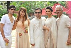 Deepika Padukone au natural... Love the saree