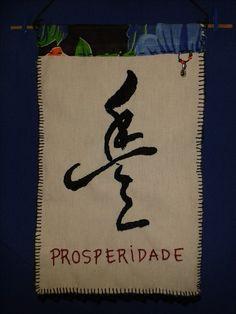 painel bordado ideograma prosperidade