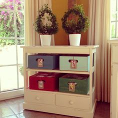 Cute little storage idea. Shabby Chic Kitchen, Vintage Shabby Chic, Shabby Chic Homes, Farmhouse Chic, New Room, Repurposed, Diy Crafts, Storage, Projects