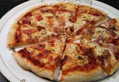 Flatbread Pizza, Jamie Oliver, Hamburger, Food And Drink, Yummy Food, Cheese, Hot, Food, Recipes