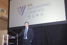Woensdagavond 25 januari stond de jaarlijkse nieuwjaarsreceptie van het Vlaams Instituut voor de Logistiek in het teken van het nieuwe logo, de vernieuwde site en de officiële lancering van de Speerpuntcluster Logistiek.