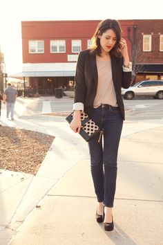 classic date night outfit, love the punch of polka dot in the clutch