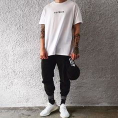 Credits: marty's men street styles in 2019 муж Men Street, Street Wear, Yeezy Outfit, Urban Street Style, Streetwear Fashion, Men Casual, Menswear, Mens Fashion, Urban Fashion