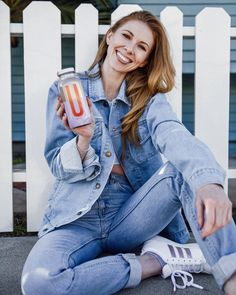 Lifestyle photos for beverage product. Product Photography, Mom Jeans, Modeling, Beverages, Lifestyle, Photos, Fashion, Pictures, Moda