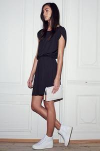 Sort kjole fra Selected Femme - Kjole - Moon SS dress