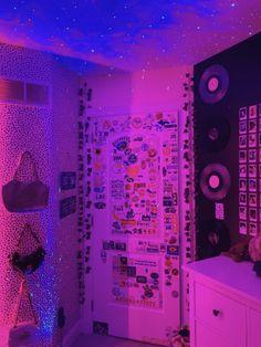 Neon Bedroom, Room Ideas Bedroom, Bedroom Inspo, Hippie Bedroom Decor, Blue Bedrooms, Girls Bedroom, Cute Room Ideas, Cute Room Decor, Teen Room Decor