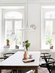 A Modern & Elegant Apartment In Gothenburg