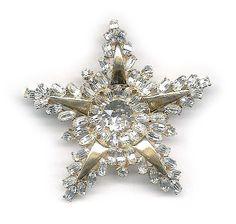 Vintage Hollycraft star brooch