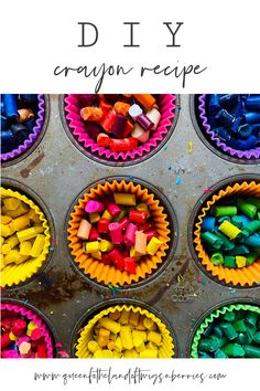 An Easy DIY Crayon Recipe that will help you clear out your art cabinet all while creating unique and fun crayons to keep the creative vibes going! Jumbo Crayons, Diy Crayons, Broken Crayons, Melting Crayons, Crayon Molds, Spring Crafts, Holiday Crafts, Crafts To Do