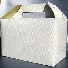 caixas cartolina, cartão e plástico