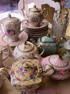 Vintage China whiteroses-in-spring: (via How many high tea sets can one ask for? Neeeeeed this! Style Cottage, Vintage China, Vintage Teapots, Tea Sets Vintage, Vintage Party, Vintage Tea Parties, Vintage Dishes, Vintage Silver, Vintage Decor