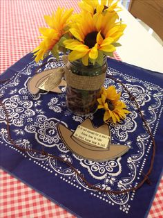 The astonishing Western Center Pieces Cowboy Theme Party, Cowboy Birthday Party, Farm Party, Country Birthday, Western Party Centerpieces, Country Western Parties, Western Themed Parties, Cowboy Baby Shower, Sunflower Baby Showers