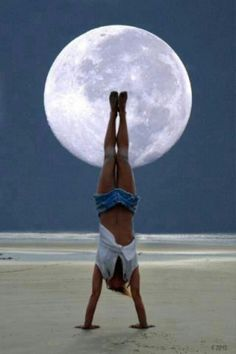 Handstand One of my goals for 2013 :) #crossfit beaches, dreams, full moon, beauty, crossfit, yoga, summer solstice, boots, handstand