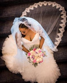 This is a great shot by #munacoterie @grifkolberg! Truly loving her #veil. #Munaluchi #munaluchibride #weddingthings #inlove | #Repost @grifkolberg Everything about her is beautiful! #beautifulbride #dfwwedding #dallaswedding