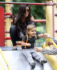Kourtney Kardashian - Hot mama.