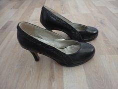 Stilettos de cuero negros con glitter #aras #ComoNuevo #ModaSustentable. Compra esta prenda en www.saveweb.com.ar!