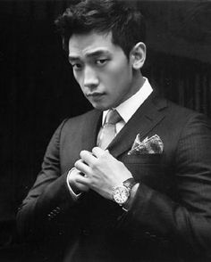 Rain Bi What a sharp looking man.