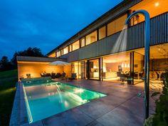 HAUS s egg — ARCHITEKTUR Jürgen Hagspiel Amazing Architecture, Villa, Vacation, House Styles, Outdoor Decor, Eggplant, Home Decor, Houses, Pretty