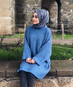 Tesettür Giyimin Kurtarıcısı Kazak Tunikler Girl Hijab, Hijab Outfit, Cute Muslim Couples, Hijab Wedding Dresses, Beautiful Muslim Women, Hijab Tutorial, Islamic Clothing, Girl Photography Poses, Mode Hijab