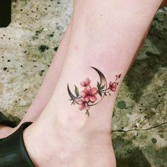 New Tattoo Moon Design Tatoo Ideas Mini Tattoos, Flower Tattoos, Body Art Tattoos, New Tattoos, Tribal Tattoos, Small Tattoos, Tatoos, Blue Rose Tattoos, Tattoos Skull
