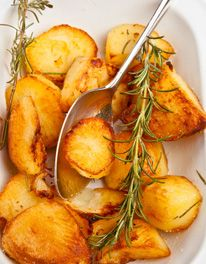 If you know you are going to be pushed on Christmas Day, then it is possible to half-roast the potatoes the day before (see Preparing Ahead, below). On Christmas Day the potatoes just need to be re-roasted in a hot oven for about 20 minutes.