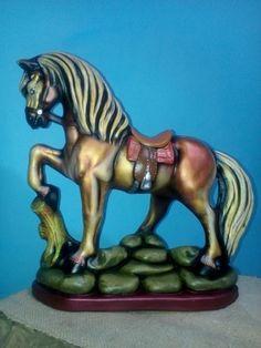 Decoupage, Lion Sculpture, Diy Crafts, Horses, Ceramics, Statue, Burritos, Cali, Exterior
