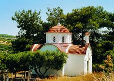 Door heel Griekenland tref je kleine, vaak eeuwenoude kerkjes op de meest afgelegen plekken aan...